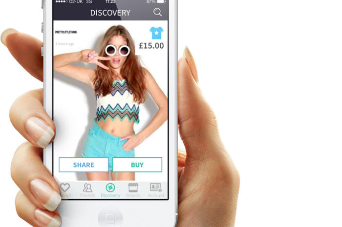 Mallzee's smart fashion app enables users to shop with friends on their phone