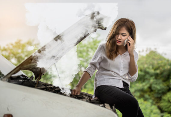 https://www.shutterstock.com/image-photo/beautiful-woman-car-engine-defective-beside-650013733?irgwc=1&utm_medium=Affiliate&utm_campaign=Hans%20Braxmeier%20und%20Simon%20Steinberger%20GbR&utm_source=44814&utm_term=
